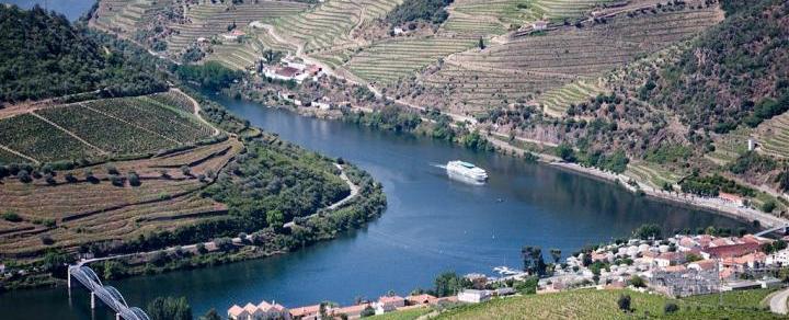 TOUR / Douro